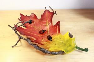 Cast oak leaf